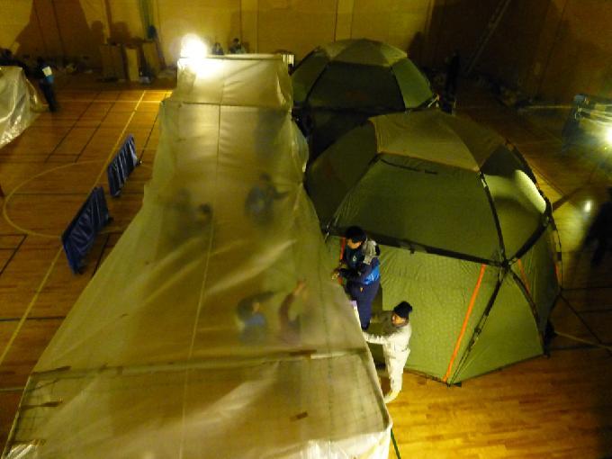 100名収容暖房テント